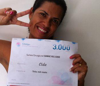Ganhadora do sorteio de março: Cida