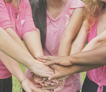 Câncer de mama: testemunhos de nove mulheres que superaram a doença