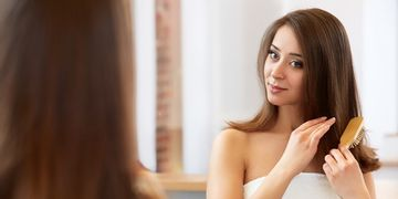 Entenda a diferença entre quebra e queda de cabelo