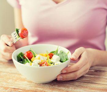 5 erros que podem fazer você comer mais do que deveria