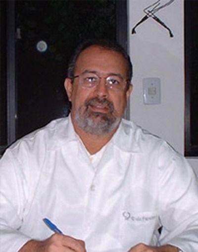 Dr. Caio Pereira Neto