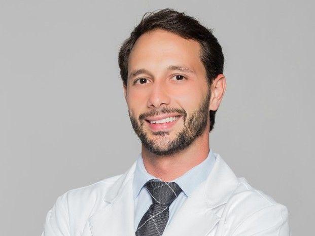 Dr. Eduardo Gauch Cirurgia Plástica