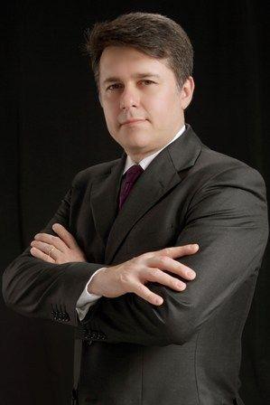Dr. Roberto Nunes