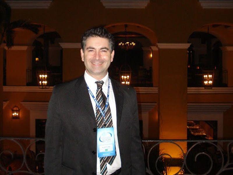 Dr. Urias Carrijo