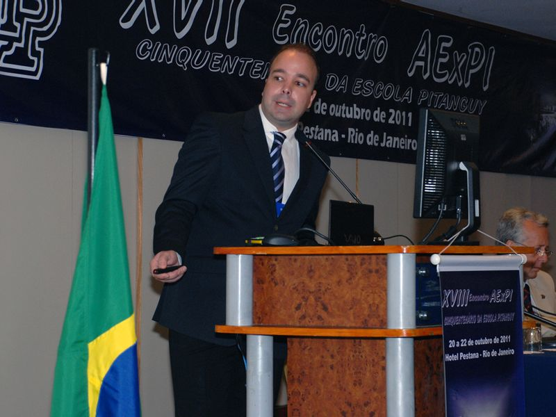 Dr. Cláudio Lemos