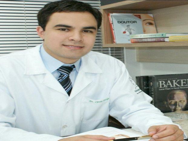 Dr. Cássio Vilhena
