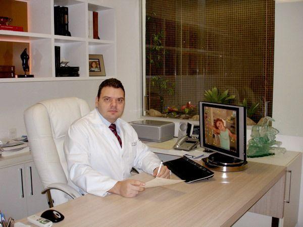 Dr. Tarso Ary