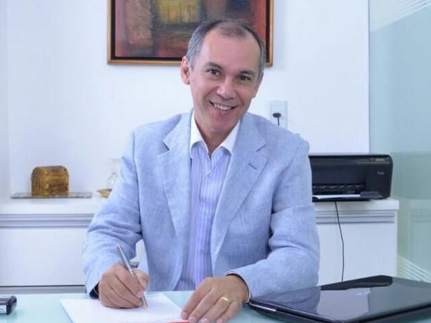 Dr. Álvaro Vitor Teixeira