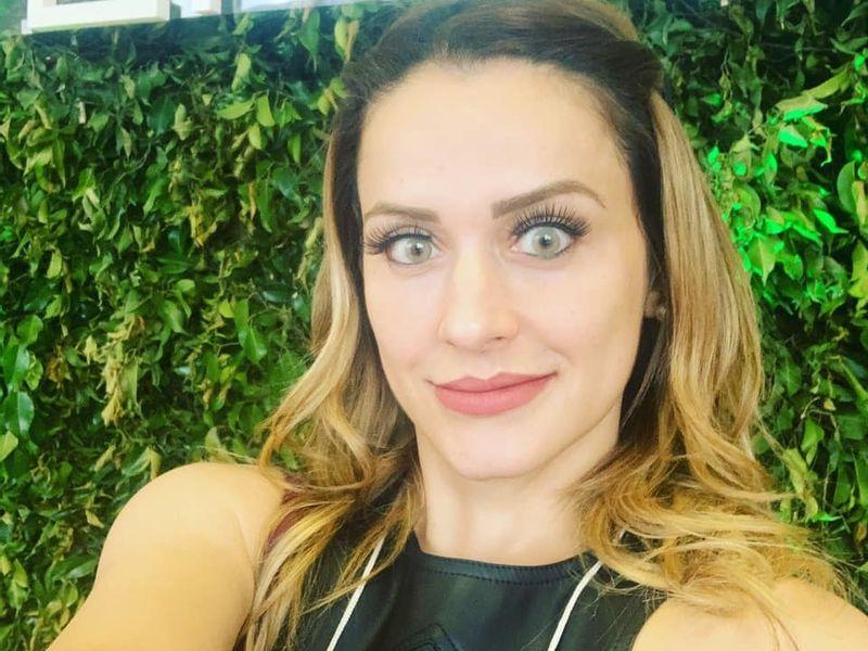 Dra. Carolina Oliveira