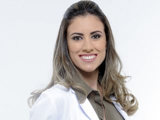 Dra. Renata Tavares