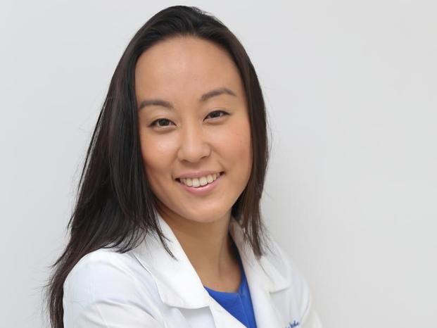 Dra. Tatiane Watanabe - Dermatologista