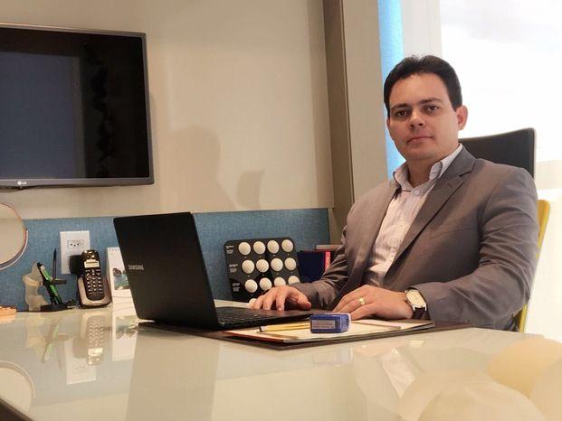 Dr. Márcio Ximenes