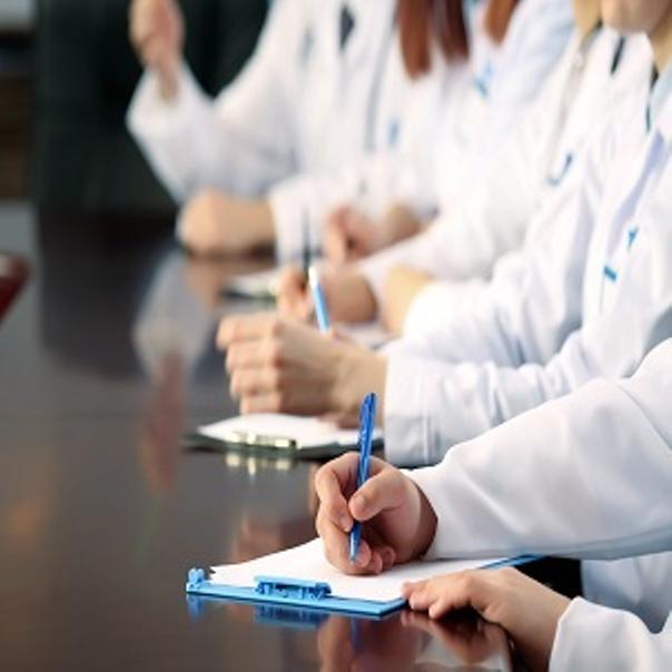médicos de crioterapia