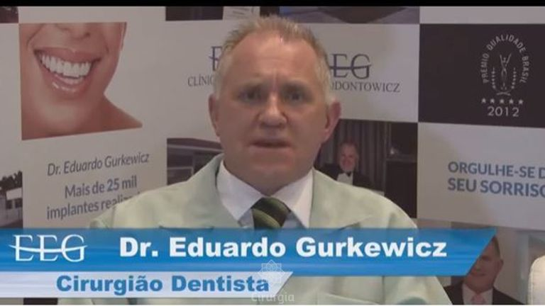 Revisão pós-implante dental - CLÍNICA ODONTOWICZ
